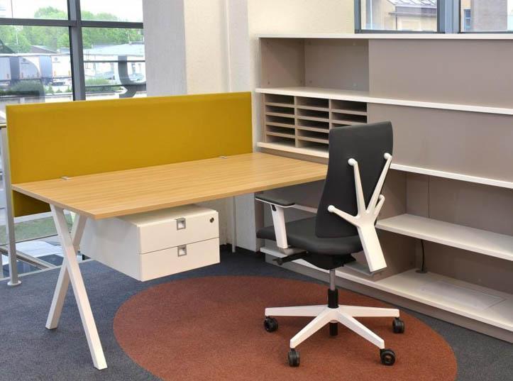27. System mebli biurowych UNA - Meble biurowe