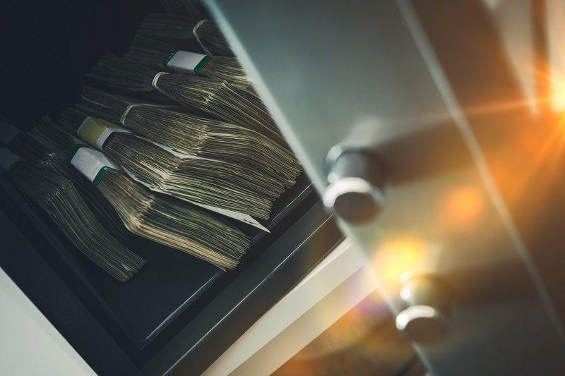 pieniądze w sejfie